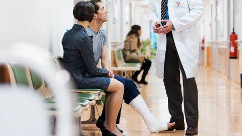 Sprunggelenkbruch: Symptome, Ursachen und Behandlung